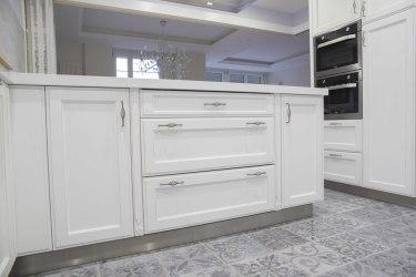 Cocina Americana Blanca con Isla Cocinas Suarco: Fabrica