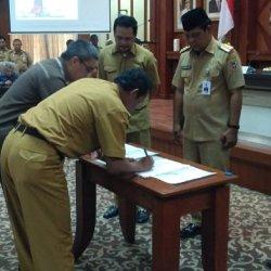 Gubernur Kalsel Serahkan Lima Permendagri Batas Daerah