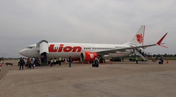 Sayap Tabrak Tiang Lampu, Lion Air Batal Terbang