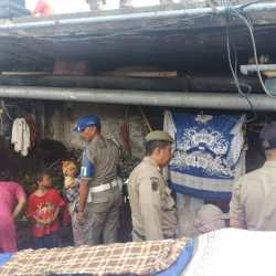 Kolong Jembatan Antasari 'Dibersihkan' dari Gubuk Liar