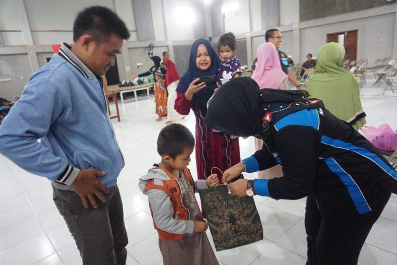 Giliran Anak-anak di Aniir Pasar Disunat