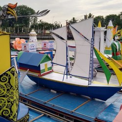 Paman Birin Lepas 34 Jukung Tanglong Berlayar di Sungai Martapura