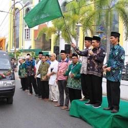 SEMARAK Puluhan Mobil Hias Pawai Tahun Baru Islam