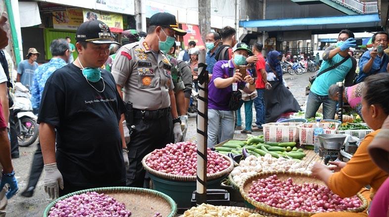 HARGA Sembako dan Penyemprotan Disinfektan Pasar Dipantau Walikota, Dandim dan Kapolresta