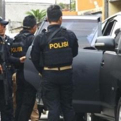 SEORANG DITANGKAP Densus 88 di Tanbu dan Kepala BNPT Sebut Penyerang Polsek Daha Selatan Dugaan 4-5 Orang