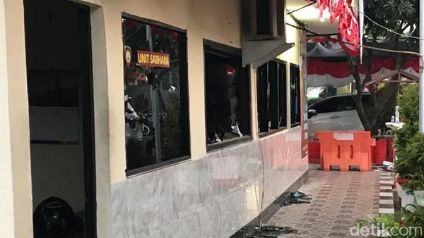 ISU PENGEROYOKAN, Diduga Pemicu Penyerangan Polsek Ciracas