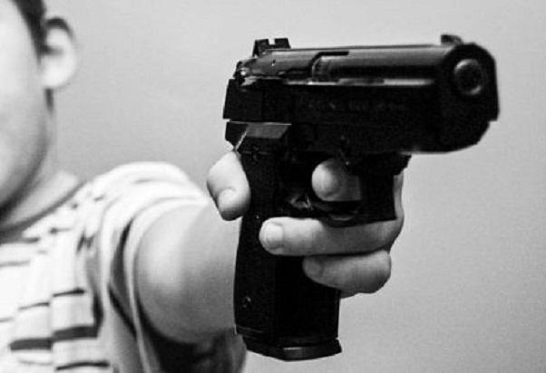 OKNUM POLISI yang Mengacungkan Senjata Airsoft Gun Ditahan