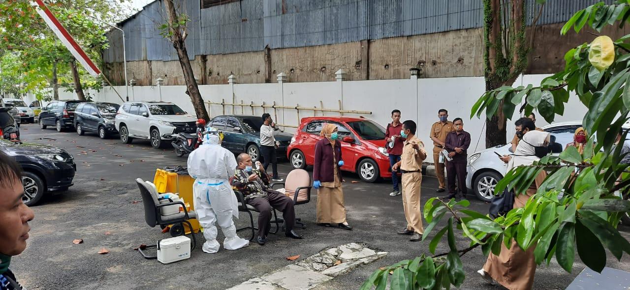 TEMBUS 300 Ribu Positif Corona di Indonesia, Sebaran Hari Ini 3.992 Kasus, Kalsel 56