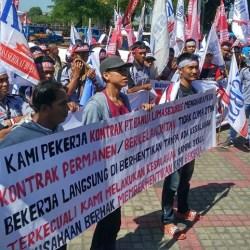 MASIH Abu-abu, Aksi Tolak Omnibus Law di Banjarmasin