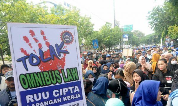 GILIRAN Ribuan Buruh Tergabung di KSPSI Kalsel Turun ke Jalan