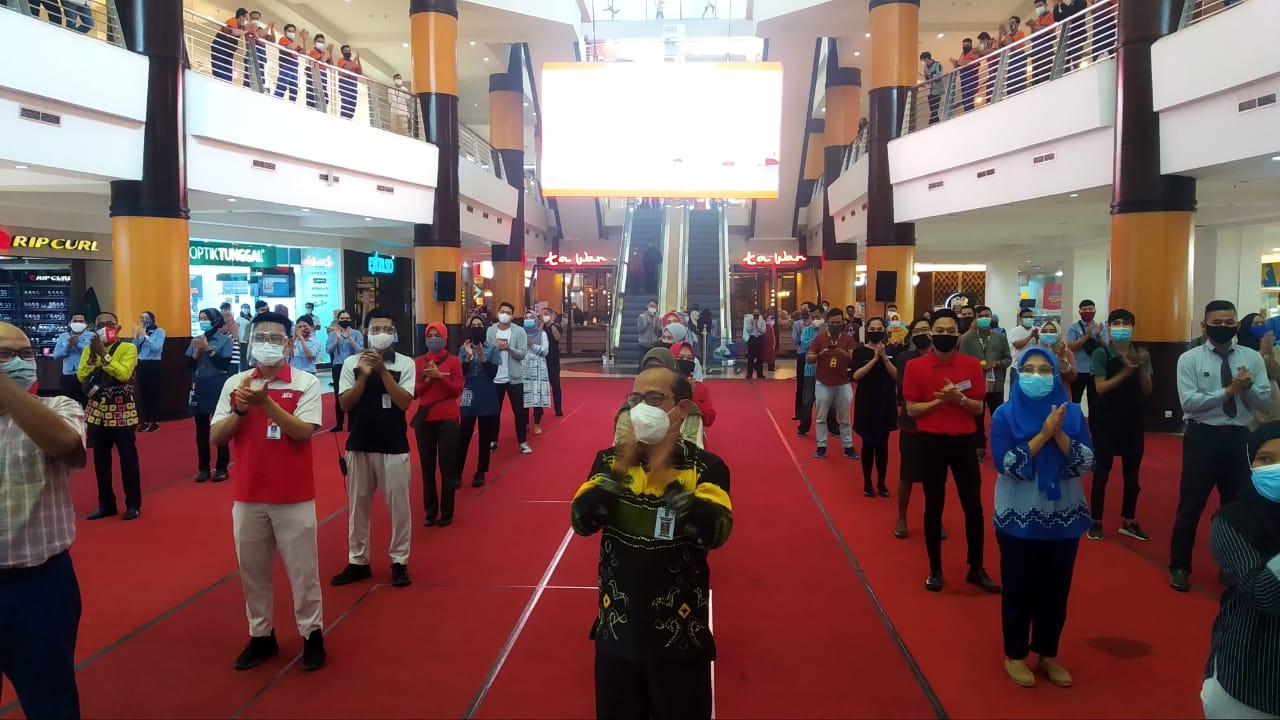AUDITORIUM Duta Mall Banjarmasin Riuh dengan Aksi Tepuk Tangan 56 Detik