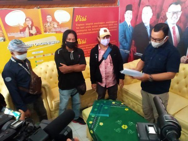 PULUHAN Jurnalis Sampaikan Surat Tanda Protes, Komisioner Bawaslu Kalsel Akui Ada Terjadi Kesalahan Teknis