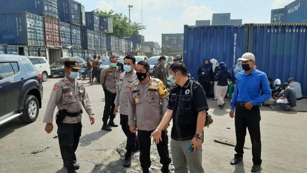 LOGISTIK Pilkada Kalsel Tahun 2020 Dicek Kapolresta Banjarmasin di Pelabuhan Trisakti