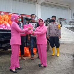 SEBANYAK 750 Paket Sembako Diterima Posko Banjir Bhayangkari Peduli Polresta Banjarmasin