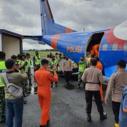 PESAWAT POLRI Angkut Bantuan dari OASE KIM, Bhayangkari dan YKB