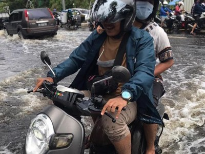 DITIMPA BANJIR, Pemko Banjarmasin Baru Bersih-bersih Bangunan di Atas Sungai