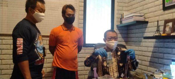 """IBU BONCENG ANAK Dikerjai """"Raja Tega"""" , Anggota yang Melihat Beri Tembakan Peringatan"""