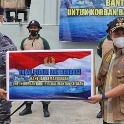 SEMUA PIHAK Diminta Berkontribusi di Pemulihan, 40 Ton Sembako bagi Korban Banjir dari TNI AL
