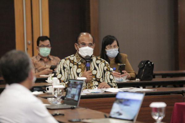ATASI PASCABANJIR, Dr. Syafrizal Tekankan Pentingnya Komitmen dan Kerja Sama