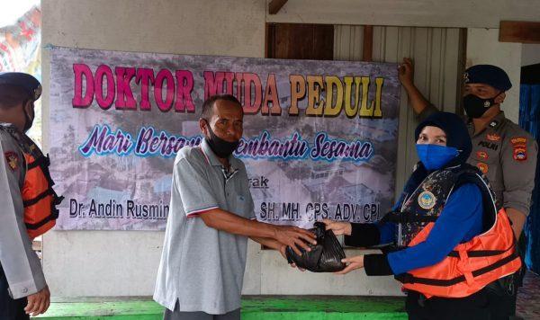 "KURANG TERJANGKAU Perintah Warga di Desa Sungai Jelai dan ""Disambangi"" Doktor Muda"