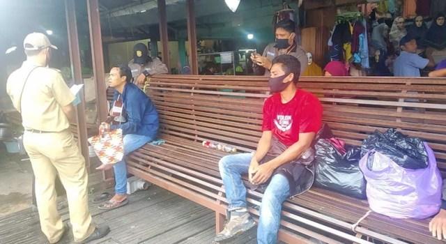 razia oleh Dinas Perdagangan dan Perindustrian (Disperdagin) Kota Banjarmasin (2)