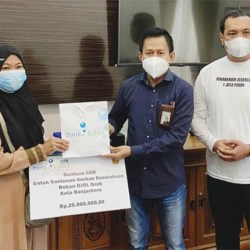 DRIVER OJOL Korban Laka Peroleh Bantuan Bank Kalsel