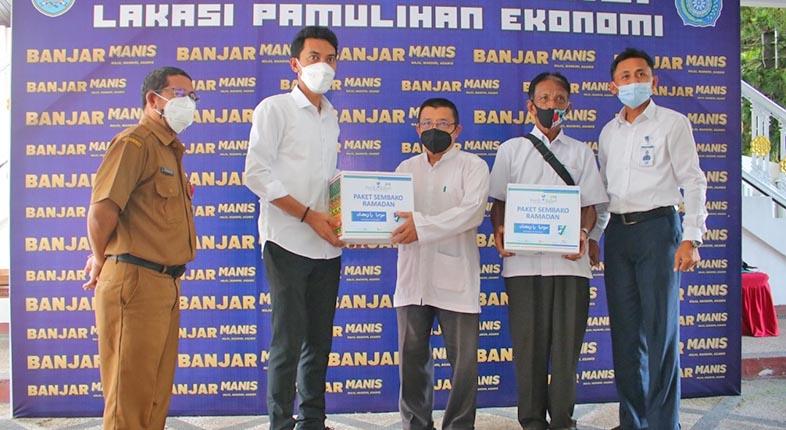 PAKET RAMADHAN Bank Kalsel Disalurkan Bupati Banjar