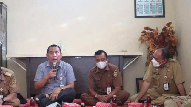 Pj Walikota Banjarmasin, Akhmad Fydayeen mengunjungi beberapa kelurahan di Kecamatan Banjarmasin Selatan