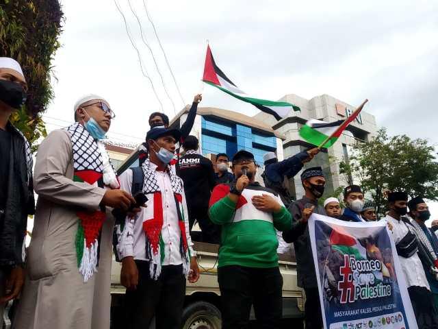 menyuarakan dukungannya agar rakyat Palestina bisa terbebas dari penjajahan zionis Israel (1)
