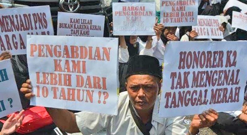 RATUSAN GURU Honorer di Banjarmasin Gigit Jari, BPJS Tak Dilanjutkan Lagi