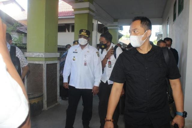 PJ GUBERNUR dan Pj Walikota Pantau TPS PSU Pilgub Kalsel (2)