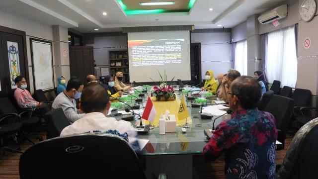 Rapat koordinasi lintas sektor kegiatan Jaminan Kesehatan Nasional (JKN) yang berlangsung di Ruang Rapat Berintegrasi, Balaikota Banjarmasin