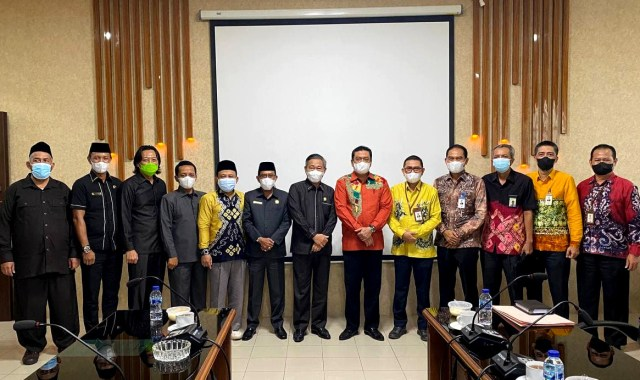 PAPARKAN KINERJA Terkini, Bank Kalsel Sambangi DPRD Provinsi (2)