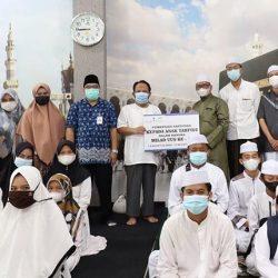 RANGKAIAN MILAD ke–17, Bank Kalsel Syariah Tebar Bantuan ke Anak Tahfidz dan Pantai Asuhan