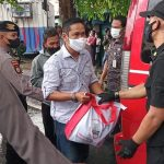 ANTUSIAS SAMBUTAN Warga terhadap. Bantuan Sembako Presiden Jokowi