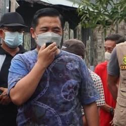 BANTUAN untuk Korban Kebakaran di Gg 6 Oktober Diserahkan Walikota Banjarmasin