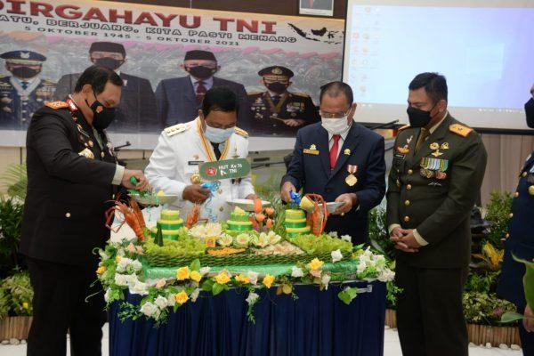 TNI di Kalsel Ikuti Upacara HUT ke 76 dengan Presiden Secara Virtual