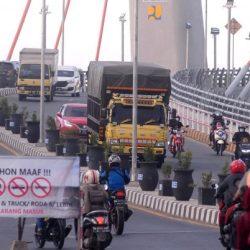 POLISI tak Bisa Berikan Sanksi Tilang Terhadap Truk Melintas Jembatan Alalak I, Begini Alasannya