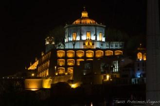 Mosteiro da Serra do Pilar em Gaia à noite