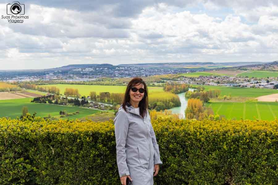 Vista do Rio Marne ao fundo na região de champagne