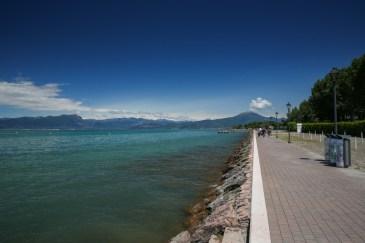 Calçadão no Lago Garda