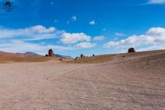 Vista Panoramica dos Moais no Salar de Tara no Deserto do Atacama