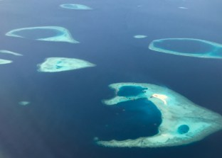 Vista aérea das ilhas Maldivas