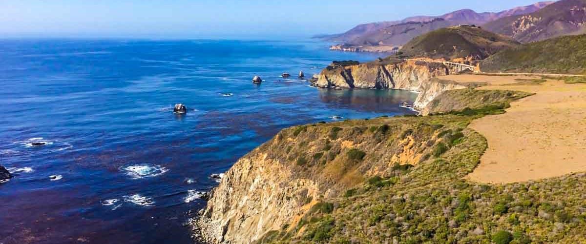 Vista da Big Sur na Costa da Califórnia ou Pacific Coast Highway