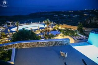 Amber Light Villas à noite em Santorini