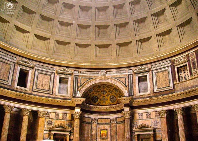 Interior do Pantheon em o que fazer em Roma