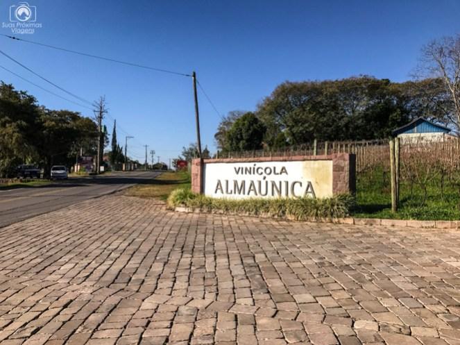 Entrada à Almaúnica no Vale dos Vinhedos
