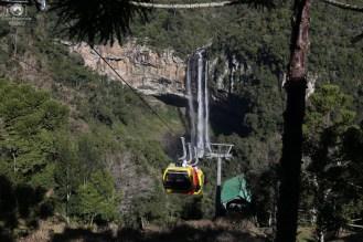 Descendo a Cascata do Caracol nas melhores de Gramado e Canela