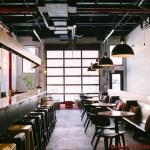 Café / Bar no The Local Hostel NYC em Onde Se Hospedar em Nova York