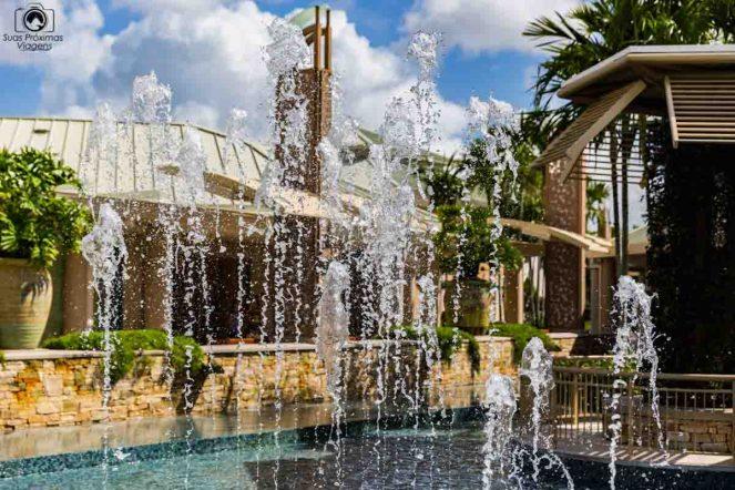 Fonte no Waterfalls Mall em Naples